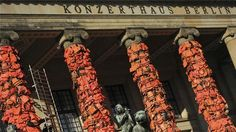 #China artist #aiww covers #Berlin landmark with lifejackets to highlight #refugees crisis http://bit.ly/214wkQR