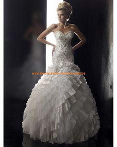 Wunderschöne Extravagante Brautkleider 2013 aus Satin mit Applikation