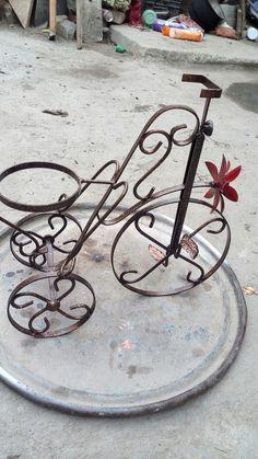 Metal Crafts, Wood Crafts, Metal Bending Tools, Welding Design, Flower Stands, Iron Art, Wine Bottle Holders, Welding Projects, Blacksmithing