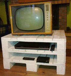 pallet TV stand diy