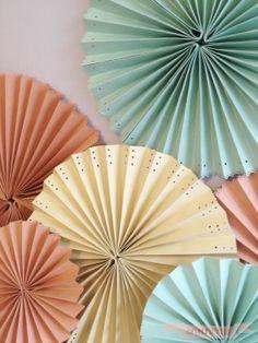 Abanicos de papel; fáciles, bonitos y muy decorativos.Alfombra Roja | Alfombra Roja