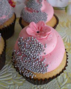 Pretty Cupcake Design.