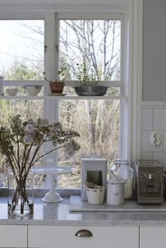 - Julia K - Metro Mode Country Farm, Country Life, Scandi Style, Christmas Lights, Tiny House, Sweet Home, Shabby Chic, Cottage, Table Decorations