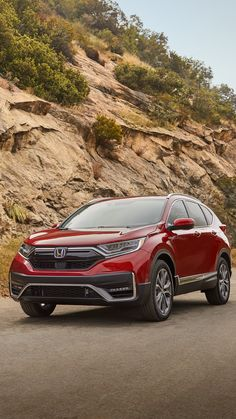 Always eye-catching in the CR-V Hybrid. New Honda Crv, Suv Honda, Honda Hrv, Honda Civic Sedan, Best Small Suv, Best Suv, Honda Suv Models, Honda Crv Touring, Honda Crv Hybrid