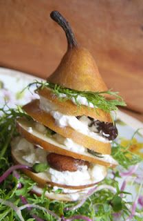 well I wouldnt stack this...and I like spinach. but pear and goat chez yes!