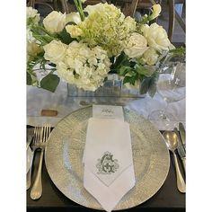How about this lucky bride? Not only did she have a ✨DREAMY✨ Carmel wedding but her mom is an embroiderer! @bluebonnetcreationsllc embroidered Alissa + Josh's custom wedding monogram on various items like these beautiful dinner napkins. The perfect personal touch to an absolutely gorgeous reception!🤍 . . . 📷 | @shermanchuphotographer  Florals | @unskripted_design . . . #californiawedding #custommonogram #weddingmonogram #carmelwedding #california #3lettermonogram #receptiondecor…