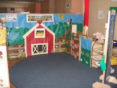 A super Farm classroom role-play area photo contribution. Great ideas for your classroom! Farm Crafts, Preschool Crafts, Preschool Themes, Classroom Displays, Classroom Themes, Farm Lessons, Role Play Areas, Farm Activities, Creative Activities