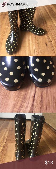 Polka dot rain boots Polka dot rain boots size 8 Shoes Winter & Rain Boots