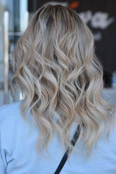Best Salon, Long Hair Styles, Beauty, Long Hairstyle, Long Haircuts, Long Hair Cuts, Beauty Illustration, Long Hairstyles, Long Hair Dos