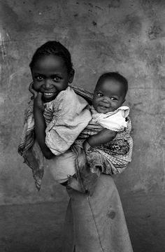 "Africa | ""Sisters"".  In the Kawangware slums of Nairobi, Kenya.  1992 | ©David Blumenkrantz"