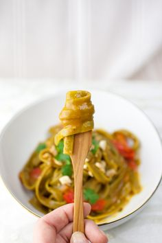 Produce On Parade - Effortless Thai Pasta Vegan Foods, Vegan Vegetarian, Vegetarian Recipes, Cooking Recipes, Healthy Recipes, Thai Pasta, Vegan Pasta, Snacks, Pastries