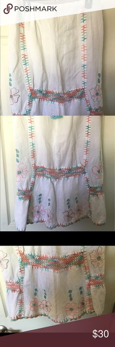 HIBIS Lace Works BoHo Folk Embroidered Skirt Adorable skirt in Excellent Condition HIBIS Lace Works Skirts Pencil