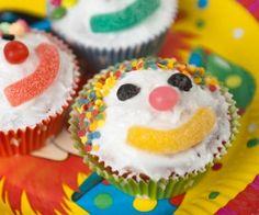 Fondant Girl, Fondant Cupcakes, Cute Cupcakes, Pearl Cupcakes, Wedding Cakes With Cupcakes, Cupcake Party, Party Cakes, Cupcake Ideas, Red Velvet Desserts