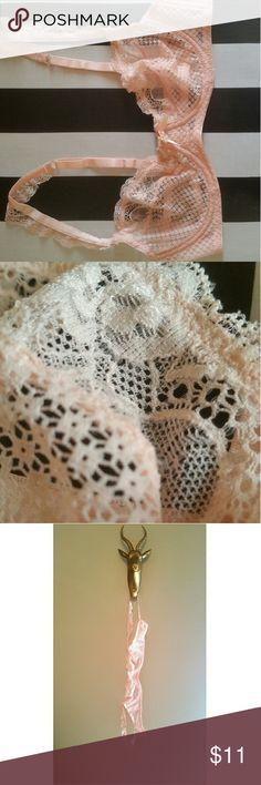VINTAGE Style Bra Light pink lace. Forever 21 Intimates & Sleepwear Bras