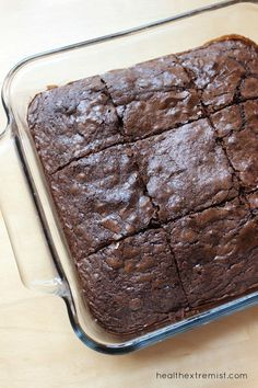 These paleo brownies are made with coconut flour and raw cacao powder. They are so yummy and melt in your mouth. These paleo brownies taste just like regular brownies Coconut Flour Brownies, Baking With Coconut Flour, Paleo Brownies, Salted Caramel Brownies, Coconut Flour Recipes, Cocoa Brownies, Paleo Dessert, Healthy Dessert Recipes, Real Food Recipes