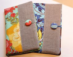 The Cottage Home: Fabric Portfolio and Notepad Holder Tutorial - pinned for ideas on hair-tie closure and cardboard stiffener