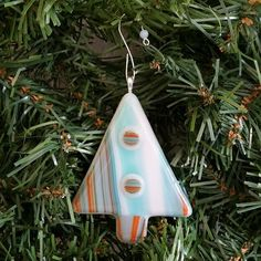 Hey, I found this really awesome Etsy listing at https://www.etsy.com/listing/205692908/fused-glass-christmas-tree-ornament