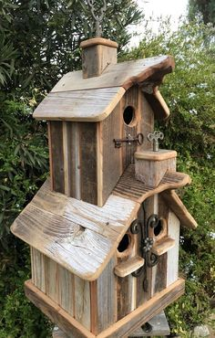 Two story rustic birdhouse with two cupolas & 3 nesting boxes. Bird House Plans, Bird House Kits, Jardiniere Design, Bird House Feeder, Bird Feeders, Birdhouse Designs, Bird Houses Diy, Small Doors, Nesting Boxes