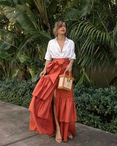 Blouse: Madewell, (similar here) Skirt: Johanna Ortiz Sandals: Schutz Bag: Sancia Earrings: Oscar de la Renta, I also love this pair, this pair and this pair -- -- Look Fashion, Skirt Fashion, Fashion Dresses, Womens Fashion, Fashion Design, Fashion 2020, 90s Fashion, Skirt Outfits, Chic Outfits