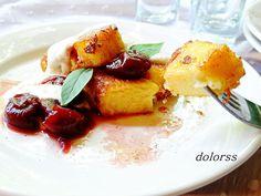 Blog de cuina de la dolorss: Torrijas de polenta con cerezas al coñac