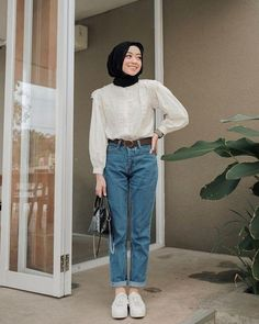174 alternatives to shopping fast fashion – page 3 Modest Fashion Hijab, Modern Hijab Fashion, Street Hijab Fashion, Casual Hijab Outfit, Hijab Fashion Inspiration, Muslim Fashion, Fashion Outfits, Hijab Chic, Fast Fashion