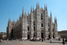 Best Cathedrals in the World   Top 10 Biggest Churches in the World - TheRichest