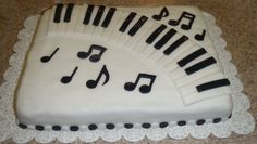 Piano Recital Cake Yellow cake with homemade fondant for the decorations. Thanks to other CCers who made similar cakes for the wonderful. Music Themed Cakes, Music Cakes, Cake Icing, Fondant Cakes, Cupcakes, Cupcake Cakes, Violin Cake, Piano Cakes, Homemade Fondant