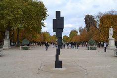 """Jardin Des Tuileries : FIAC 2015 : """"BIG SPIN"""" et """"BIG LOOK"""" de Antony Gormley"""