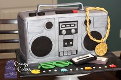80s boombox cake, 80s hiphop cake