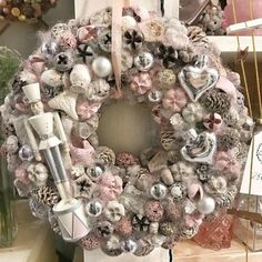 Outstanding Christmas Wearth Decoration Ideas It is getting close to Christmas time again and this means digging out holiday decorations and lights. Christmas Advent Wreath, Christmas Wreaths With Lights, Handmade Christmas Decorations, Xmas Wreaths, Christmas Store, Pink Christmas, Xmas Decorations, Christmas Crafts, Navidad Diy