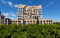 Sydney finally gets its Gehry! Due to officially open Feb 2015 Dr. Chau Chak UTS by architect Frank Gehry Facade Consultant Surface Design Architecture Design, Architecture Wallpaper, Modern Architecture House, Amazing Architecture, Architecture Models, Education Architecture, Frank Gehry, Interesting Buildings, Amazing Buildings