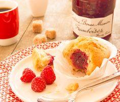 Découvrez la délicieuse recette régressive des muffins coeur de confiture de framboises !
