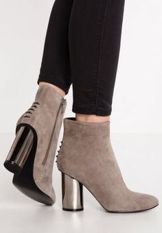 a89dc56e3 KENDALL + KYLIE KENZIE - Ankle boots - smokey taupe for £164.99 (07 10 16)  with free delivery at Zalando