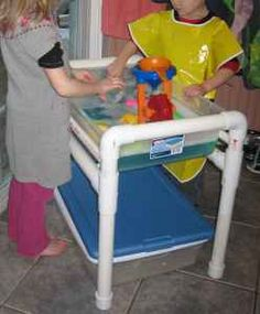 diy water table. This is happening:)