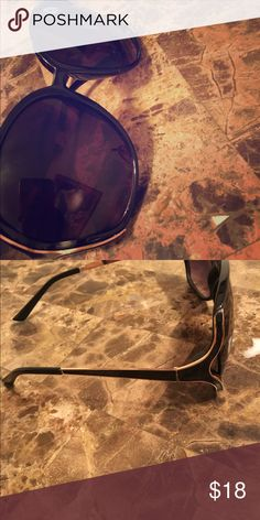very nice sunglasses excelent conditions Jessica Simpson Accessories Glasses