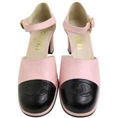 """Preowned Chanel Pink Two Tones Leather """"cc"""" Logo Strap Loafers Shoes ($980) ❤ liked on Polyvore featuring shoes, loafers, heels, pink, pink shoes, high-heel loafers, vintage shoes, two tone loafers and vintage loafers"""