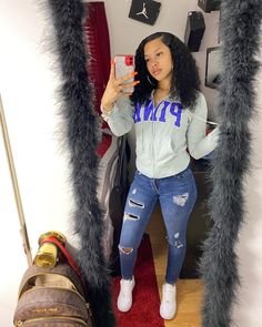 The Effective Pictures We Offer You About chill outfits frauen A quality picture can tell you many t Swag Outfits For Girls, Boujee Outfits, Cute Swag Outfits, Teenage Girl Outfits, Cute Comfy Outfits, Cute Outfits For School, Chill Outfits, Teen Fashion Outfits, Dope Outfits