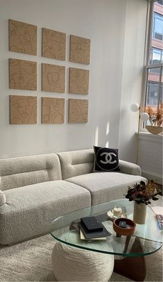 Image about aesthetic in Interior 🛋 by �🥟 on We Heart It Dream Home Design, Home Interior Design, Interior Architecture, House Design, Living Room Decor, Living Spaces, Bedroom Decor, Wall Decor, My New Room