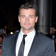 Tom Welling...how handsome is he?