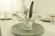 Hochwertige, edle und exclusive Tischwäsche aus feinstem Halbleinen. Die individuelle Eleganz von Halbleinen inspiriert die Tischdekoration und ist der Geheimtipp für eine festliche Eleganz auf jeder Tafel.