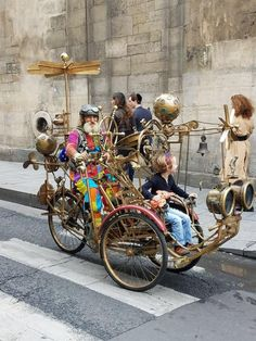r/pics: A place to share photographs and pictures. Steampunk Artwork, Steampunk Airship, Steampunk House, Dieselpunk, Weird Cars, Crazy Cars, Drawings Of Friends, Steampunk Accessories, Space Cat