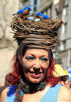 New York City Easter Parade by Shiningcolors, via Dreamstime Silly Hats, Fancy Hats, Cool Hats, Crazy Hat Day, Crazy Hats, Easter Hat Parade, Harry Wedding, Egyptian Costume, Spring Hats