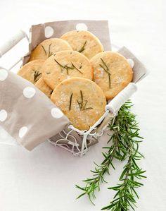 Pizzette al rosmarino con farina di ceci