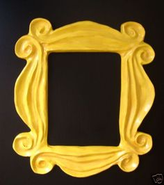 Great gift idea for FRIENDS fans who are moving into a dorm / apartment: the FRIENDS peephole frame! <3