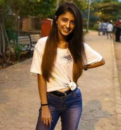 Child Actresses, Indian Actresses, Alone Girl, Bhojpuri Actress, Teen Celebrities, Indian Teen, Star Girl, Girl Photography Poses, Girls Dpz