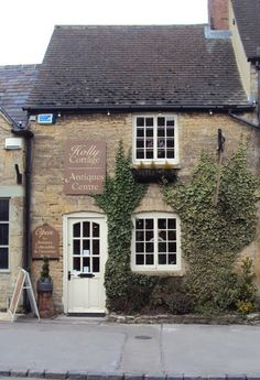 ~Character in book owns antique shop...  Antiques shopping in Stow. The Cotswolds. UK~  From Belgianpearlsblogspot.com