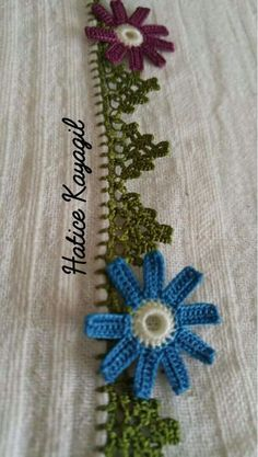 This Pin was discovered by Tür Crochet Flowers, Diy And Crafts, Embroidery Ideas, Knitting And Crocheting, Tricot, Ideas, Patterns, Manualidades, Dawn