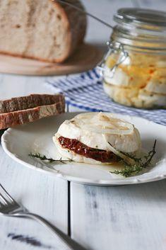 Nakládaný hermelín se sušenými rajčaty – Vařeniště Camembert Cheese, Dairy, Food And Drink