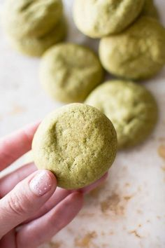 These vegan matcha cookies are flavored with the antioxidant-rich green tea. The green color would make these the perfect dairy-free vegan St. Matcha Cookies, Cookies Vegan, Healthy Cookies, Tea Recipes, Dessert Recipes, Cookie Recipes, Delicious Desserts, Matcha Dessert, Recipes
