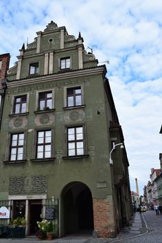 The Ultimate Quick Guide of a Day to Poznan Day Trip, Poland, Opportunity, Berlin, Mansions, House Styles, Mansion Houses, Manor Houses, Villas